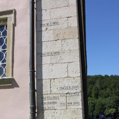 Hochwassermarkierung am KlWeltenburg